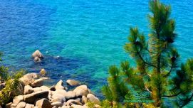 Turquoise-Waters-of-Lake-Tahoe